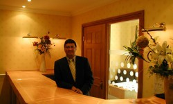 Concierge Mr David Hassea